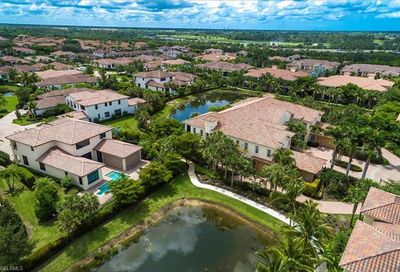2312 Berwick Ct 101 Naples FL 34105