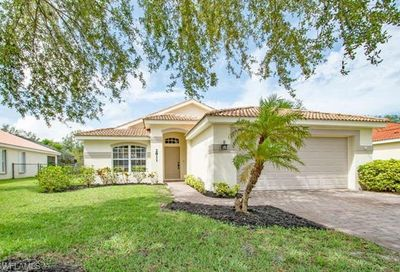 2811 Orange Grove Trl Naples FL 34120