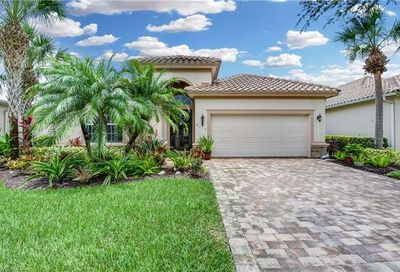9115 Crystal Ct Naples FL 34120