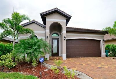833 109th Ave N Naples FL 34108