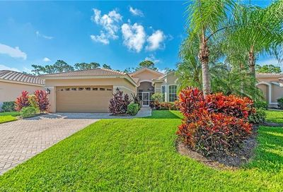 8558 Gleneagle Way Naples FL 34120