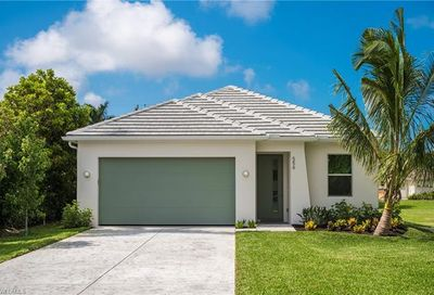 556 103rd Ave N Naples FL 34108