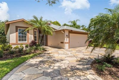 732 Teton Ct Naples FL 34104