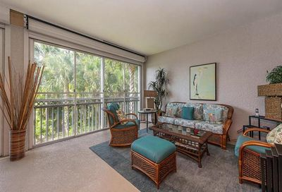 720 Waterford Dr 202 Naples FL 34113