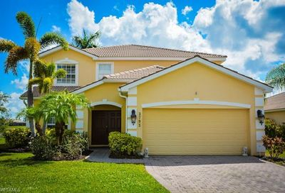 2793 Amberwood Ct Naples FL 34120