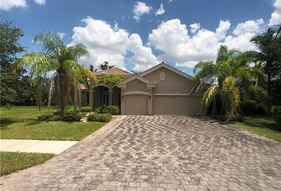 15549 Vallecas Ln Naples FL 34110