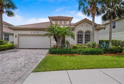 15566 Vallecas Ln Naples FL 34110