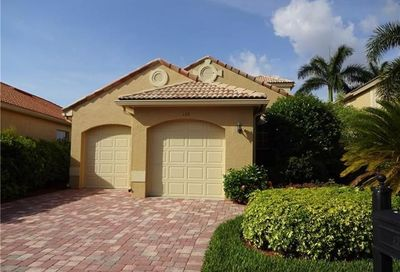 139 Vista Ln Naples FL 34119-4668