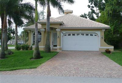 796 96th Ave N Naples FL 34108