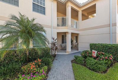 3977 Bishopwood Ct E 203 Naples FL 34114