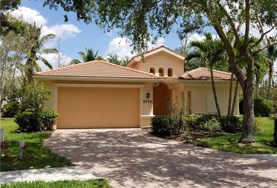 5770 Lago Villaggio Way Naples FL 34104