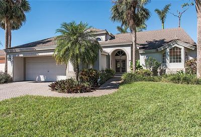 15 Grey Wing Pt Naples FL 34113