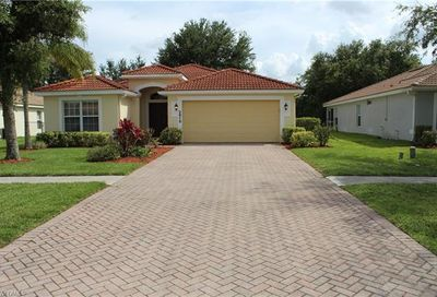 2815 Orange Grove Trl Naples FL 34120