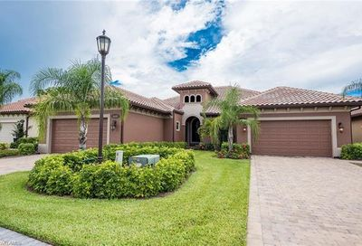 6644 Roma Way Naples FL 34113