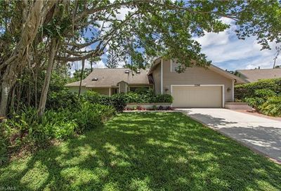 2286 Royal Ln Naples FL 34112