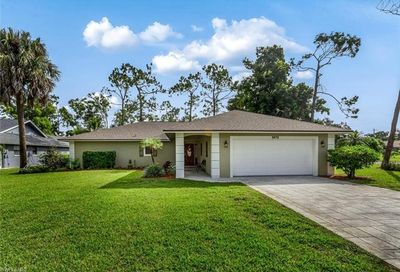 3072 Round Table Ct Naples FL 34112