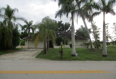 2305 Kings Lake Blvd Naples FL 34112