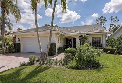 558 Countryside Dr Naples FL 34104