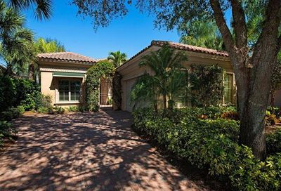 15647 Villoresi Way Naples FL 34110
