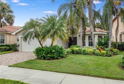 2363 Butterfly Palm Dr Naples FL 34119