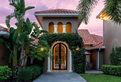 7055 Sandalwood Ln Naples FL 34109