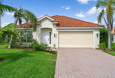 2831 Orange Grove Trl Naples FL 34120