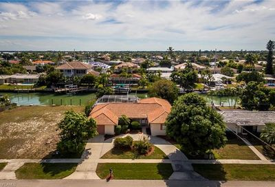 1221 Mulberry Ct Marco Island FL 34145