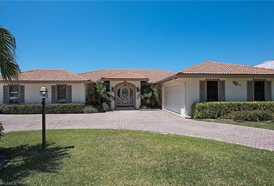 2100 Kingfish Rd Naples FL 34102