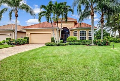 6985 Bent Grass Dr Naples FL 34113