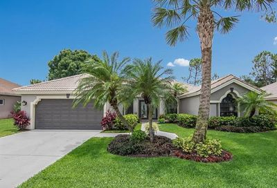 270 Sawgrass Ct Naples FL 34110