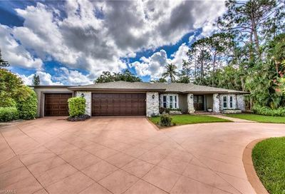 2201 Majestic Ct S Naples FL 34110