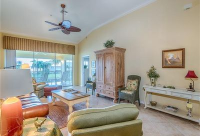 2230 Chesterbrook Ct Naples FL 34109