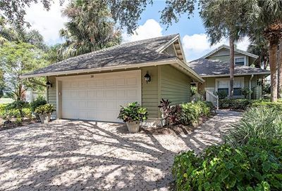 28 Golf Cottage Dr SW Naples FL 34105