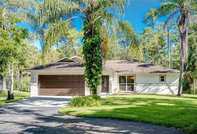 5141 Coral Wood Dr Naples FL 34119