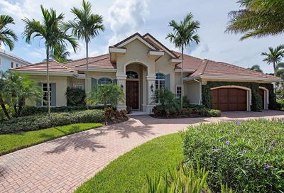 540 Putter Point Pl Naples FL 34103