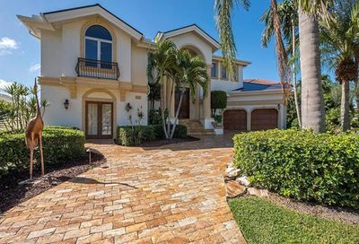 152 Conners Ave Naples FL 34108