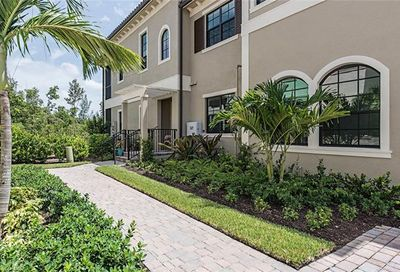 2439 Breakwater Way Naples FL 34112