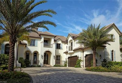 960 Galleon Dr Naples FL 34102