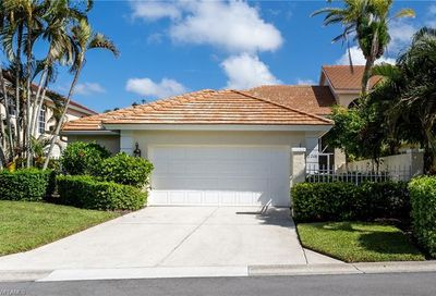 2208 Paget Cir Naples FL 34112
