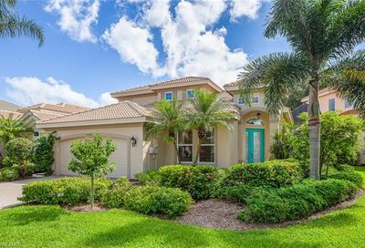 9280 Troon Lakes Dr Naples FL 34109