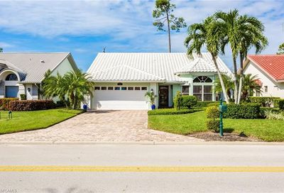 509 Countryside Dr Naples FL 34104