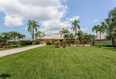 2219 Noble Ct Naples FL 34110