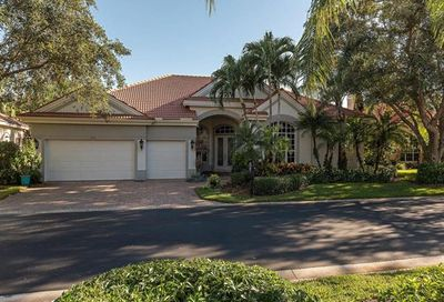 1090 Camelot Cir Naples FL 34119