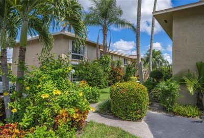 373 Palm Dr Naples FL 34112