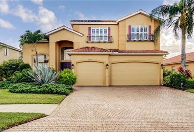 8494 Laurel Lakes Cv Naples FL 34119