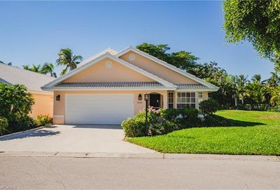 1531 Weybridge Cir Naples FL 34110