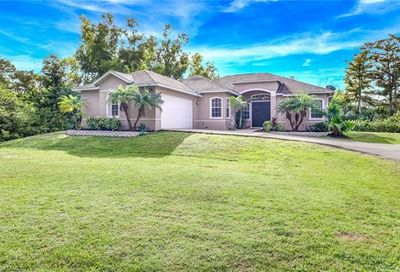 5040 Hawthorn Woods Way Naples FL 34116