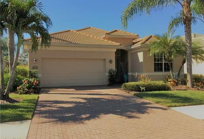 3551 Grand Cypress Dr Naples FL 34119