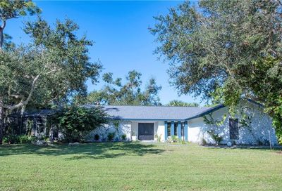 155 Old Tamiami Trl Naples FL 34110