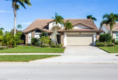 502 Countryside Dr Naples FL 34104